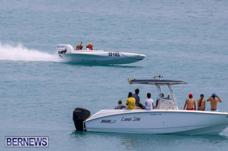 Around-The-Island-Powerboat-Race-Bermuda-August-9-2015-43