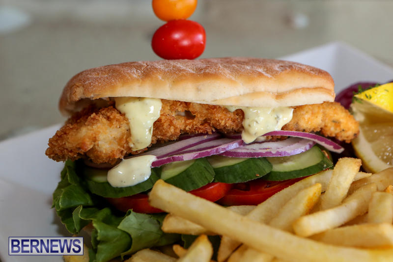 Best-Fish-Sandwich-Bonefish-Bar-Grill-Bermuda-August-2015-3
