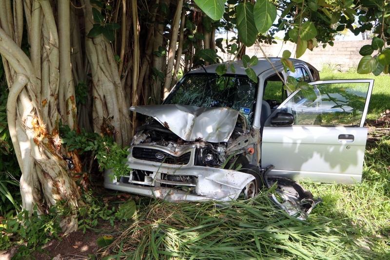 car collision bermuda august 22 2015 (1)