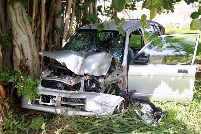 car collision bermuda august 22 2015 (3)