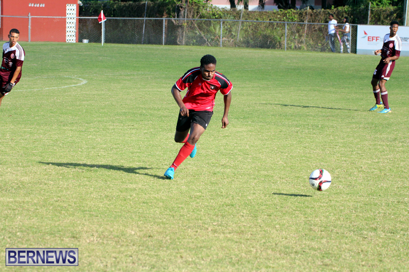 Dudley-Eve-football-Bermuda-September-2015-15