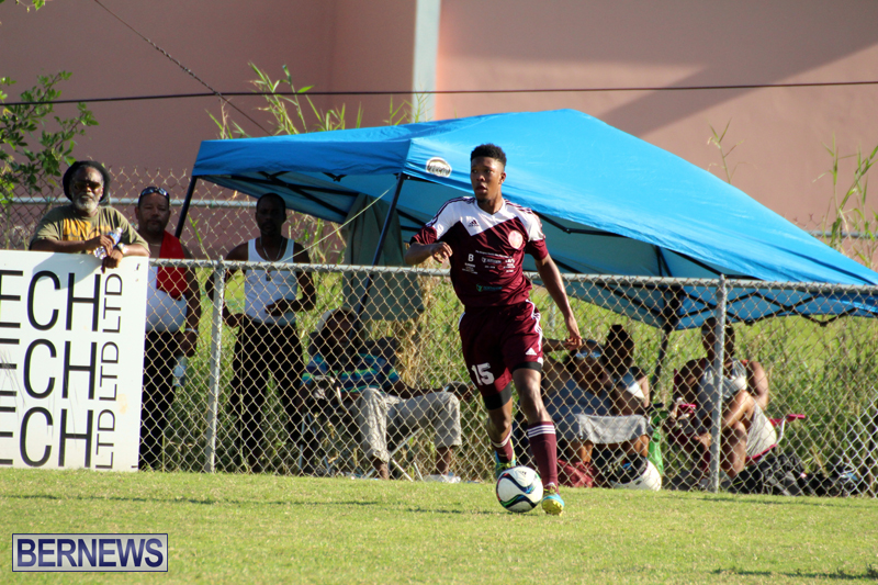 Dudley-Eve-football-Bermuda-September-2015-17