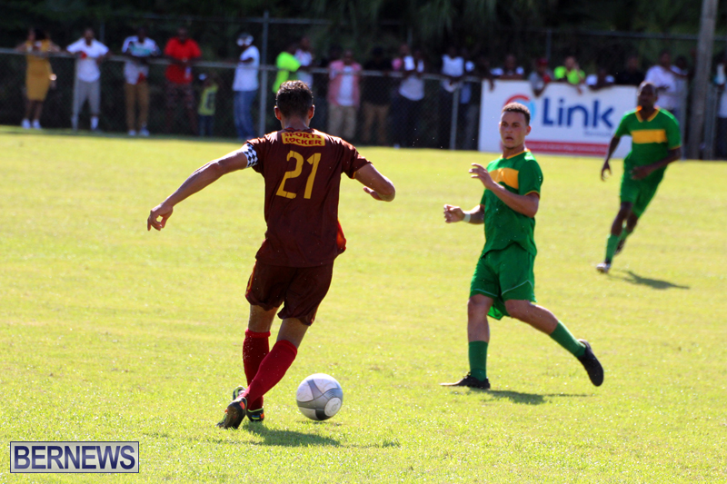 Dudley-Eve-football-Bermuda-September-2015-7