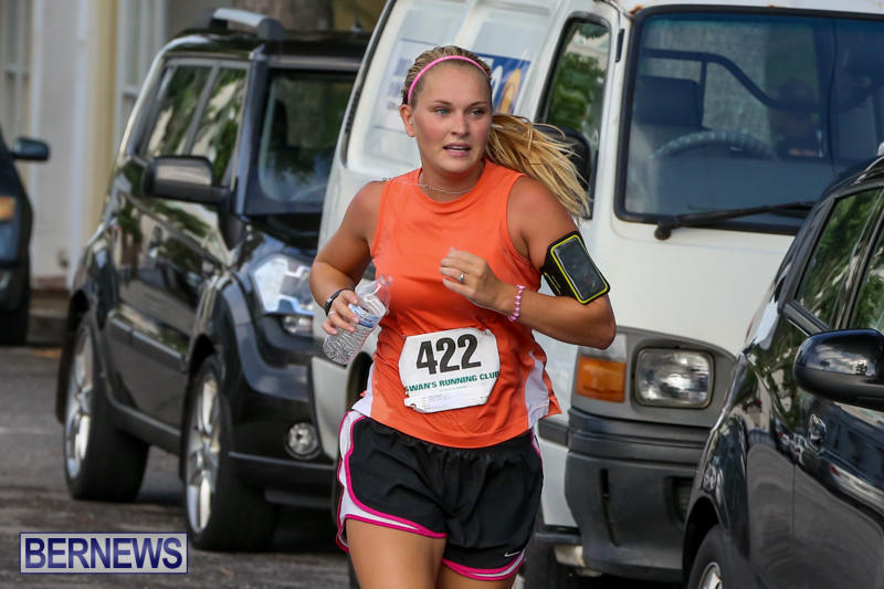 Nicole-Andreasen-Labour-Day-5-Mile-Race-Bermuda-September-7-2015-3