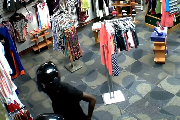 armed robbery cctv september 2015 2 06