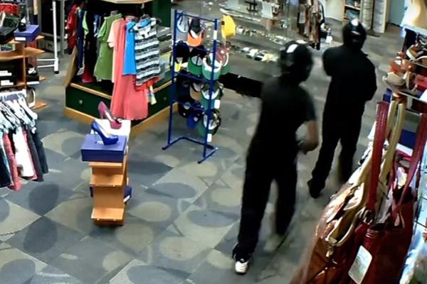 armed robbery cctv september 2015 2 12