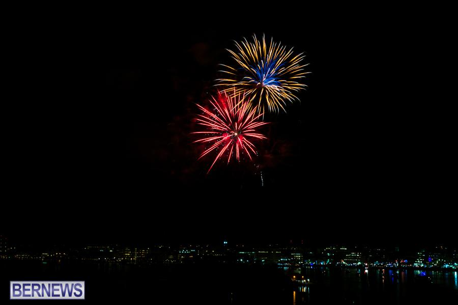 2015-Americas-Cup-fireworks-bermuda-10