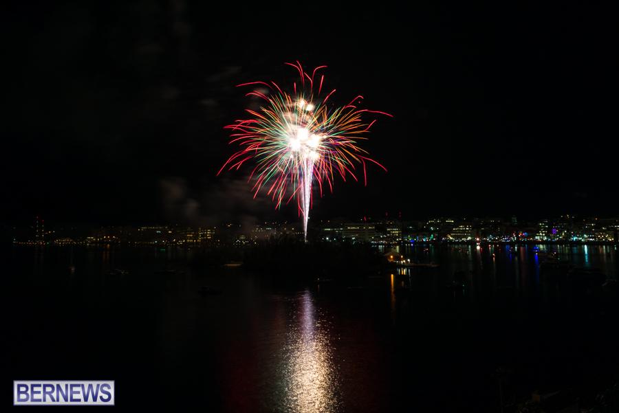 2015-Americas-Cup-fireworks-bermuda-15