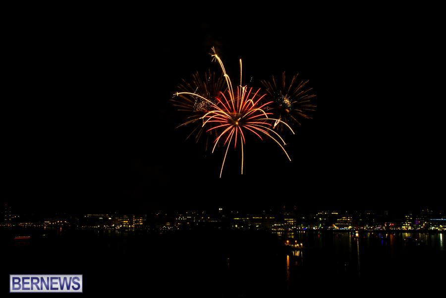 2015-Americas-Cup-fireworks-bermuda-3