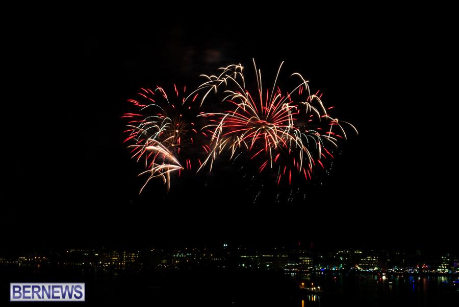 2015-Americas-Cup-fireworks-bermuda-7