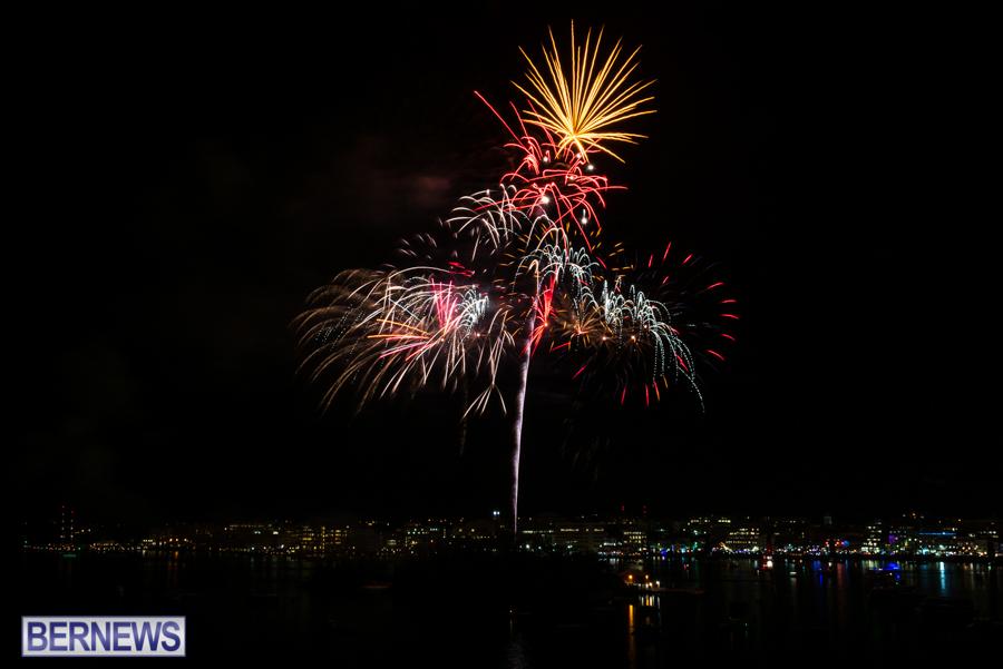 2015-Americas-Cup-fireworks-bermuda-8