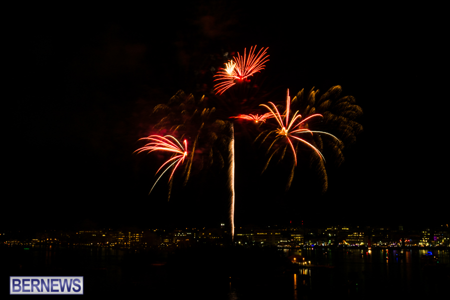 2015-Americas-Cup-fireworks-bermuda-9