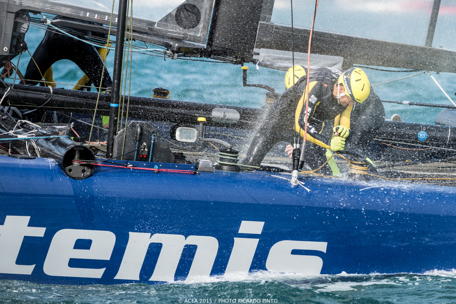 Bermuda-Americas-Cup-World-Series-racing-day-2-2015-12-001