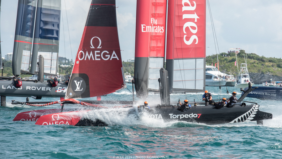 Bermuda-Americas-Cup-World-Series-racing-day-2-2015-15-001