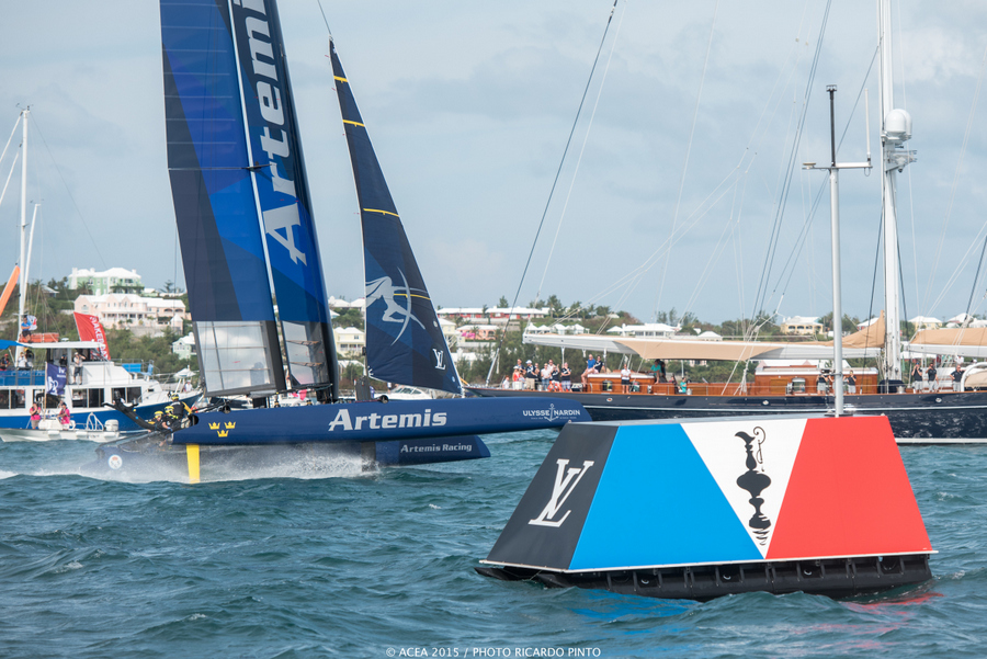 Bermuda-Americas-Cup-World-Series-racing-day-2-2015-20-001