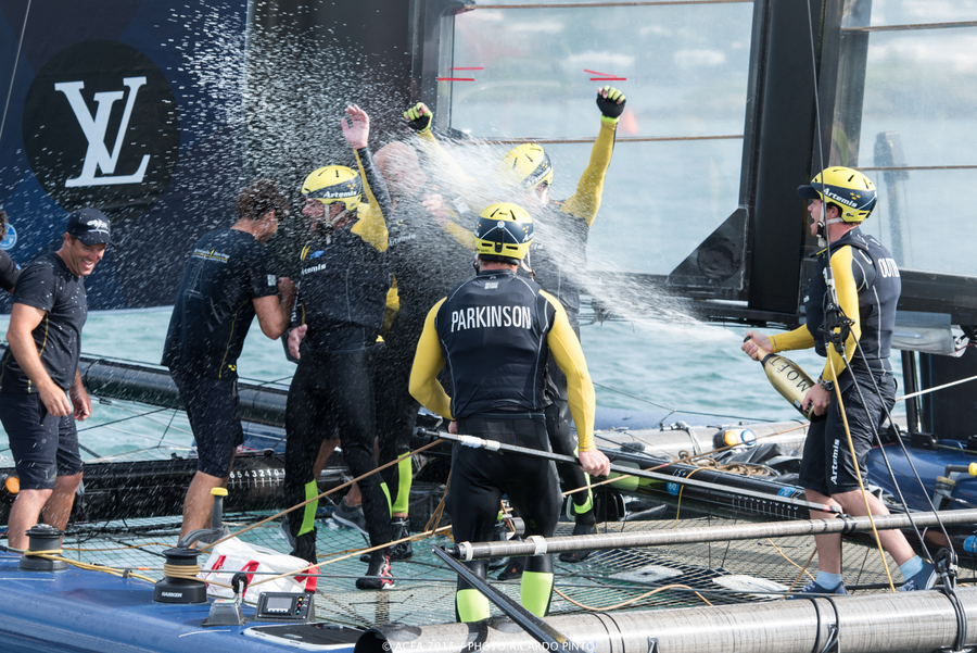 Bermuda-Americas-Cup-World-Series-racing-day-2-2015-21-001