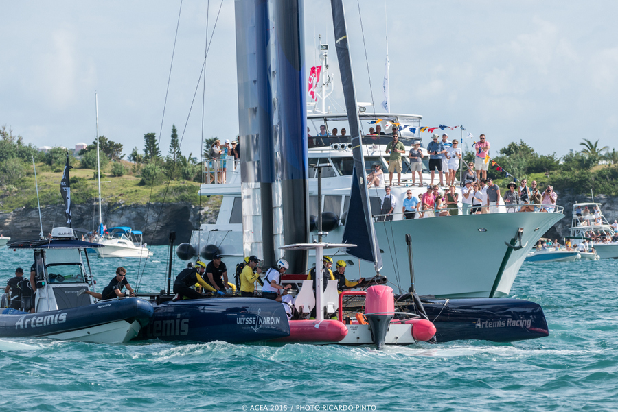 Bermuda-Americas-Cup-World-Series-racing-day-2-2015-9-001