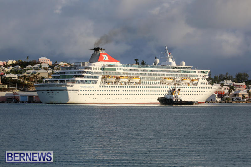 Cruise-Ship-Balmoral-In-St-Georges-Bermuda-October-9-2015-23