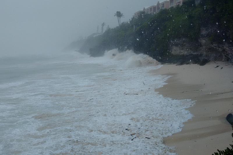 Hurricane-Joaquin-Bermuda-October-5-2015-2-4