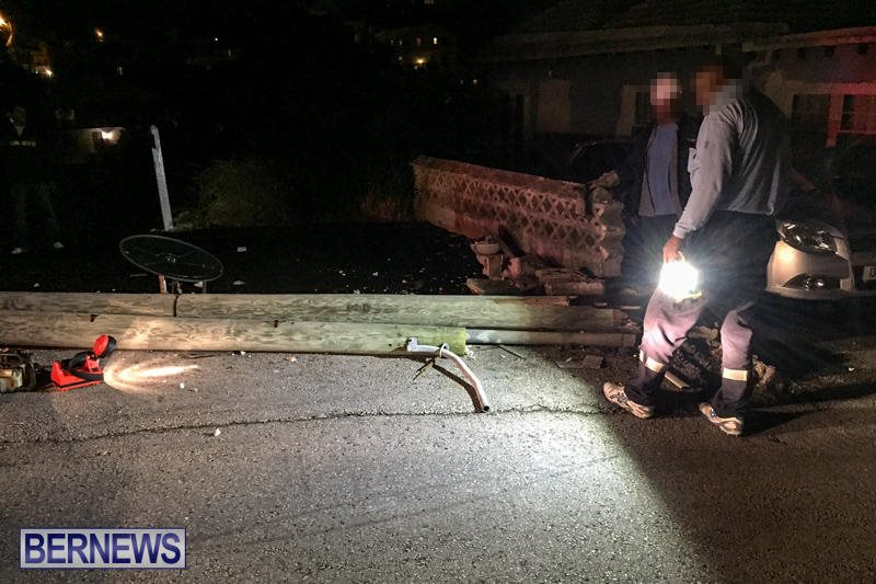 Accident Pole Wall Bermuda, November 26 2015-1