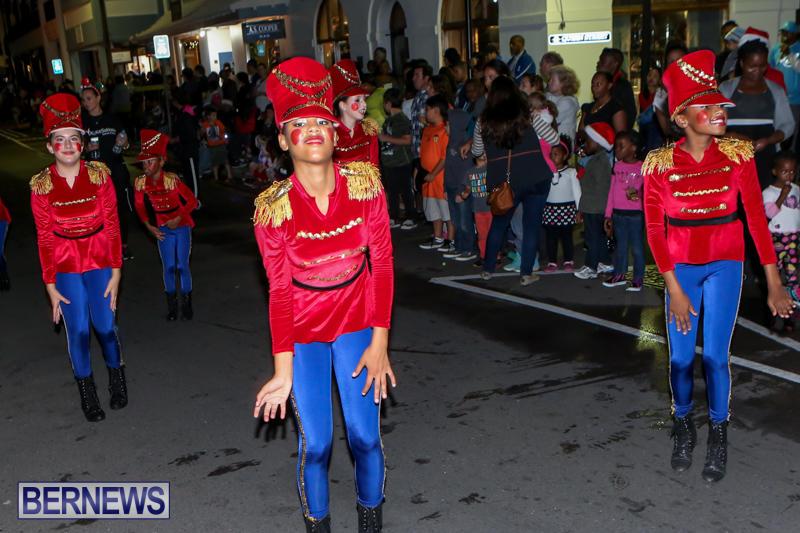 MarketPlace-Santa-Parade-Bermuda-November-29-2015-100