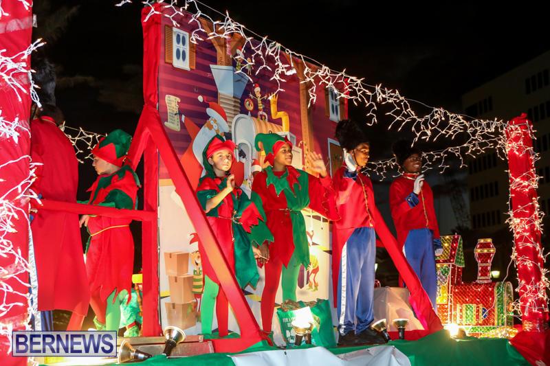 MarketPlace-Santa-Parade-Bermuda-November-29-2015-104