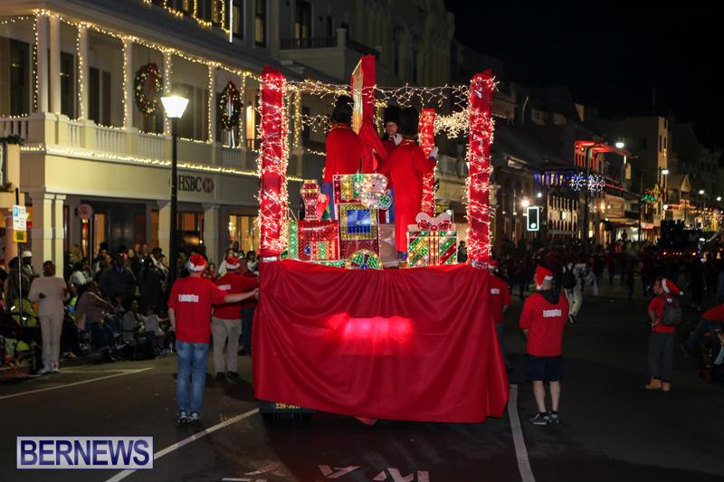 MarketPlace-Santa-Parade-Bermuda-November-29-2015-106