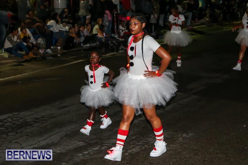 MarketPlace-Santa-Parade-Bermuda-November-29-2015-113