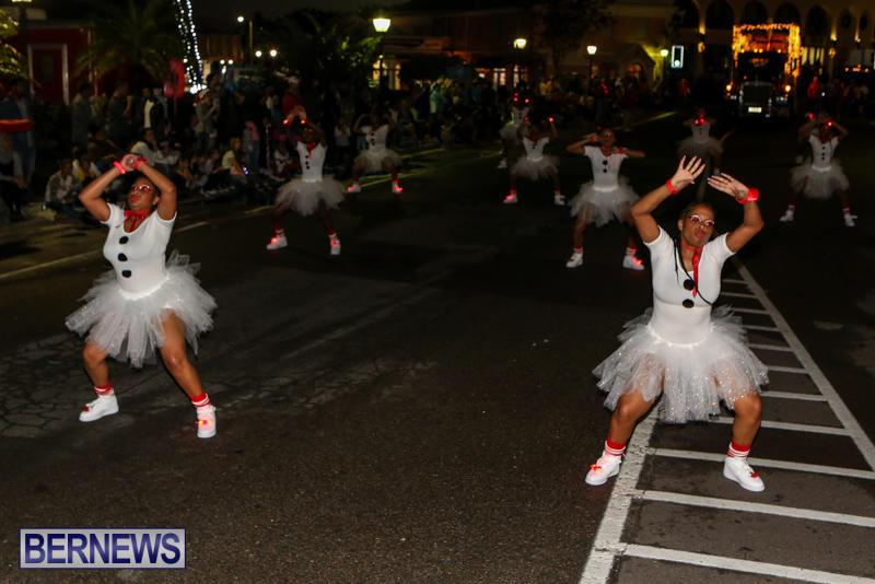 MarketPlace-Santa-Parade-Bermuda-November-29-2015-115