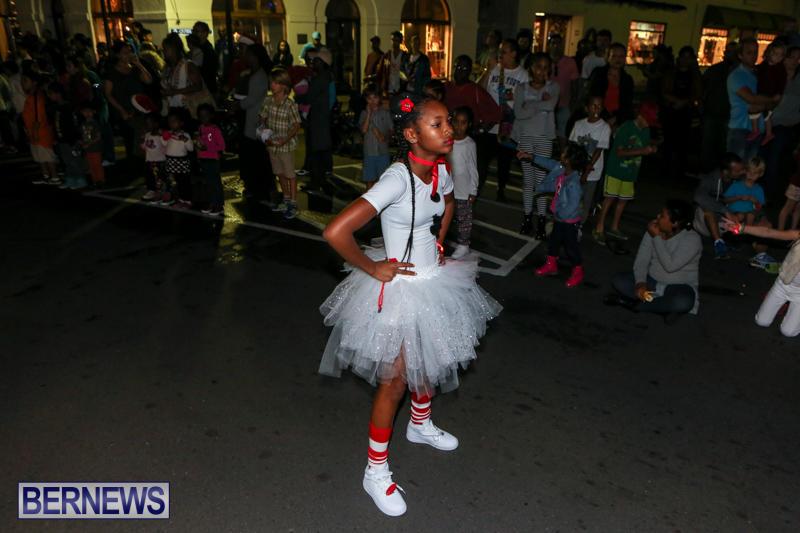 MarketPlace-Santa-Parade-Bermuda-November-29-2015-118