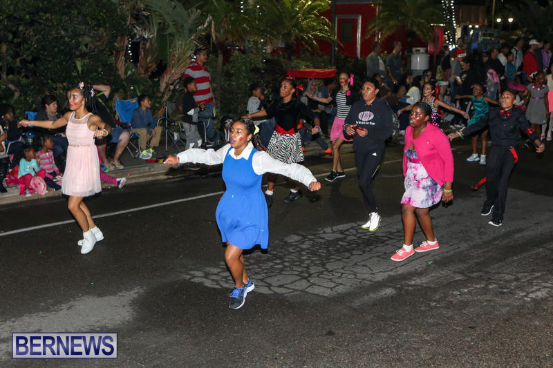 MarketPlace-Santa-Parade-Bermuda-November-29-2015-125