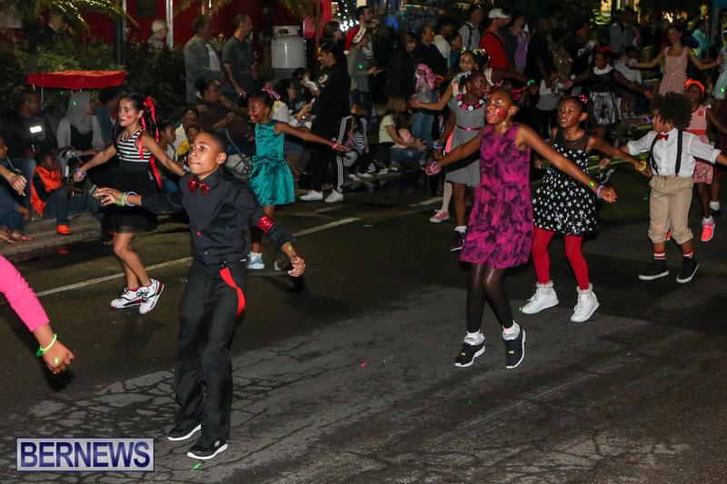 MarketPlace-Santa-Parade-Bermuda-November-29-2015-126