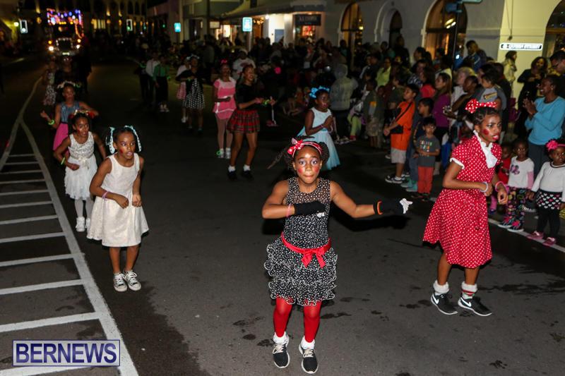 MarketPlace-Santa-Parade-Bermuda-November-29-2015-127