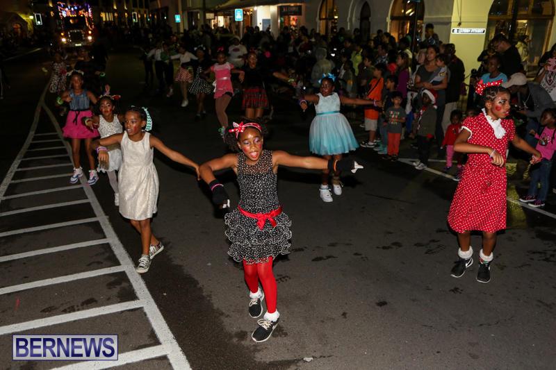 MarketPlace-Santa-Parade-Bermuda-November-29-2015-128