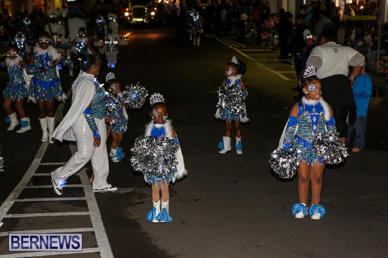 MarketPlace-Santa-Parade-Bermuda-November-29-2015-137