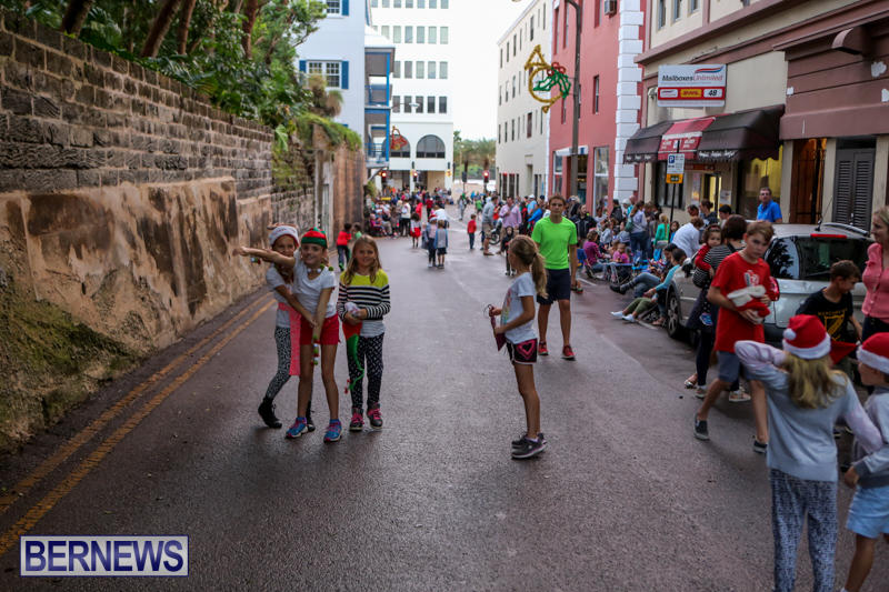 MarketPlace-Santa-Parade-Bermuda-November-29-2015-14