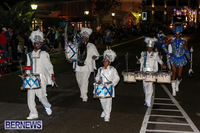 MarketPlace-Santa-Parade-Bermuda-November-29-2015-140