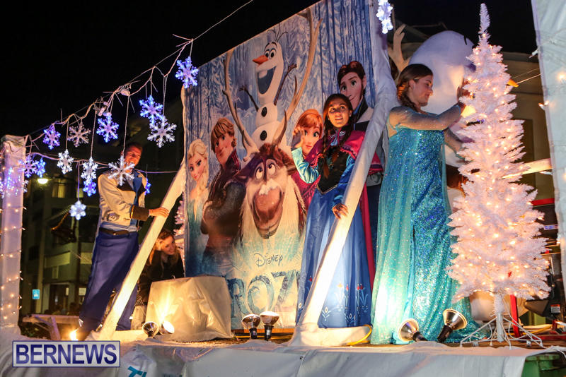 MarketPlace-Santa-Parade-Bermuda-November-29-2015-148