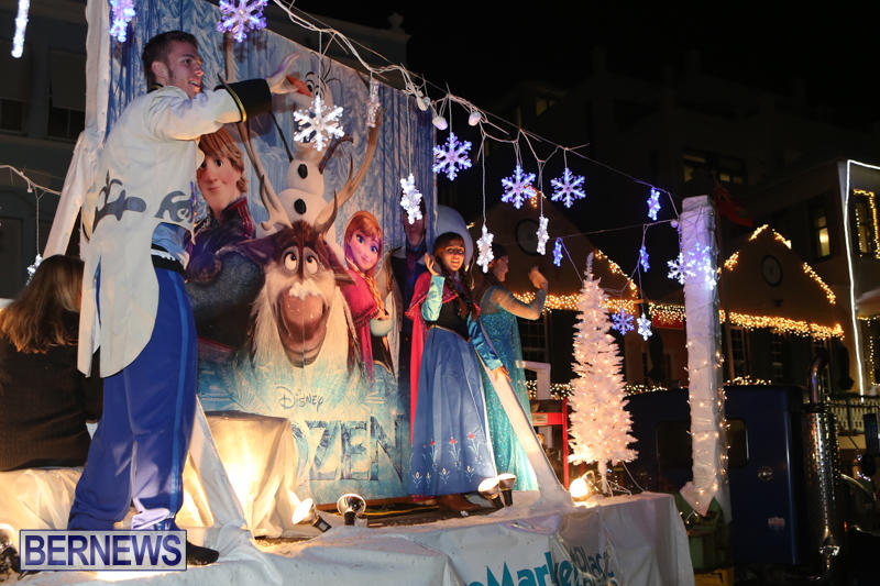 MarketPlace-Santa-Parade-Bermuda-November-29-2015-149