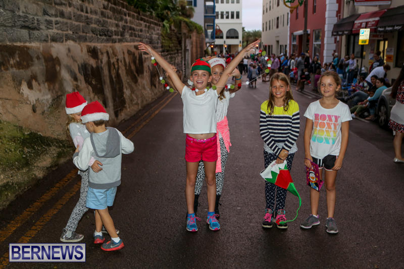 MarketPlace-Santa-Parade-Bermuda-November-29-2015-15