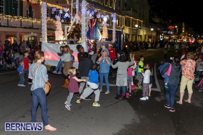 MarketPlace-Santa-Parade-Bermuda-November-29-2015-151