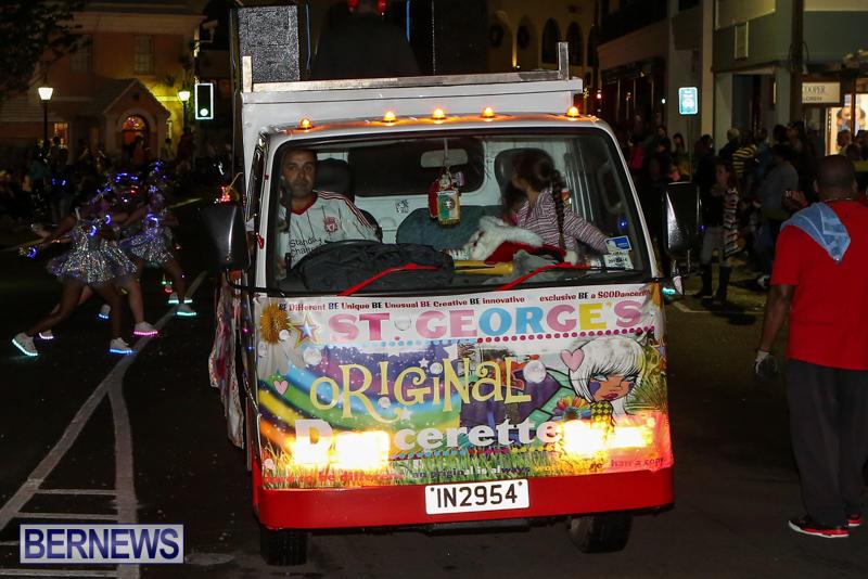 MarketPlace-Santa-Parade-Bermuda-November-29-2015-152