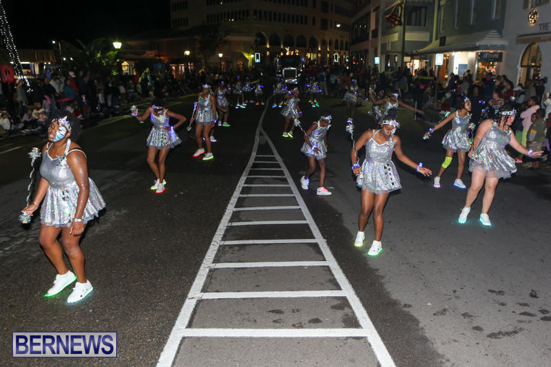 MarketPlace-Santa-Parade-Bermuda-November-29-2015-154