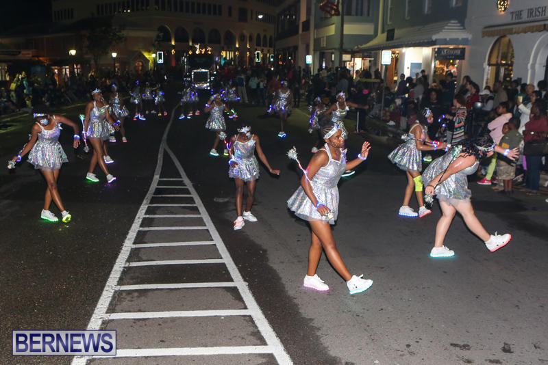 MarketPlace-Santa-Parade-Bermuda-November-29-2015-155