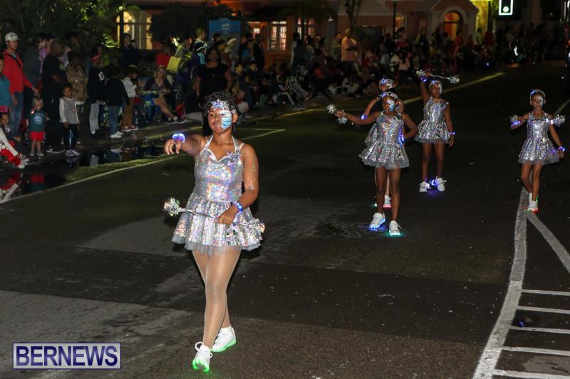 MarketPlace-Santa-Parade-Bermuda-November-29-2015-157