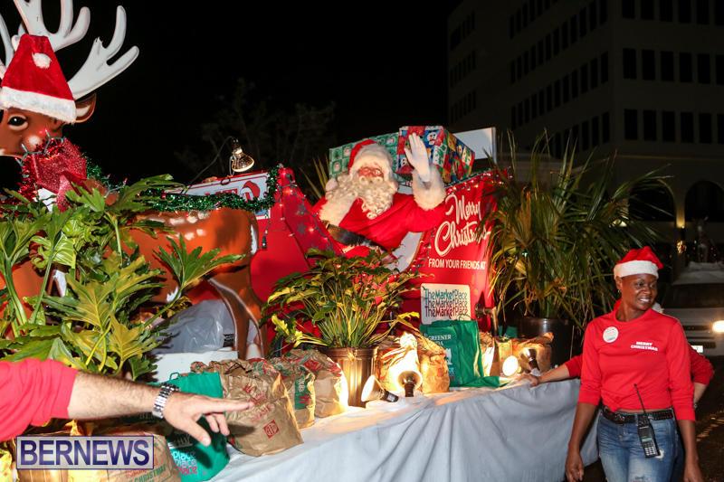 MarketPlace-Santa-Parade-Bermuda-November-29-2015-166