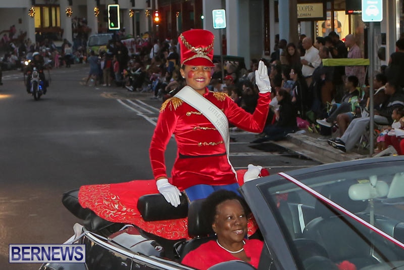 MarketPlace-Santa-Parade-Bermuda-November-29-2015-27