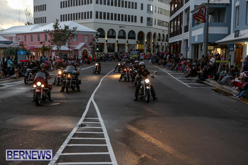 MarketPlace-Santa-Parade-Bermuda-November-29-2015-30