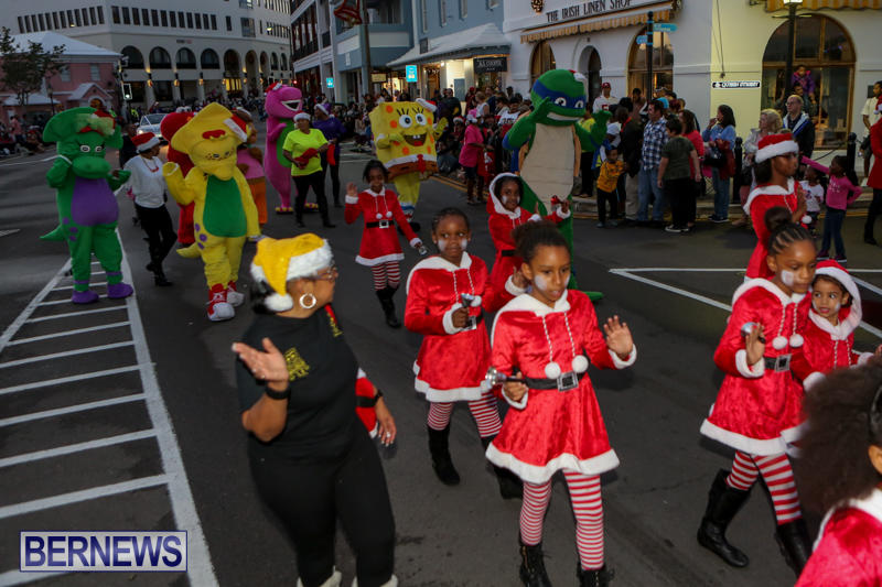 MarketPlace-Santa-Parade-Bermuda-November-29-2015-40