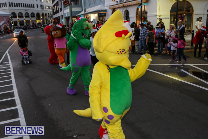 MarketPlace-Santa-Parade-Bermuda-November-29-2015-41